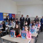 Ezine'de Öğrencilerin Karne Heyecanı